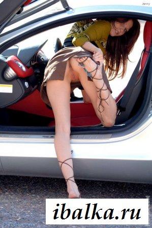 Эротическая феерия дамских прелестей под юбками