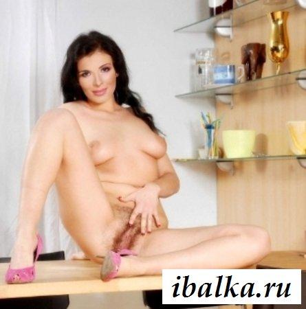 Знаменитая Надя Грановская-Мейхер с голыми дойками