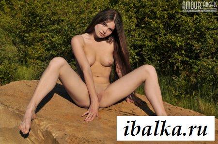 Опупенная голая россиянка под солнышком
