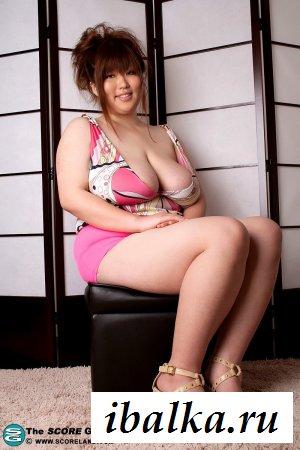 Маленькие азиатки, огромные груди