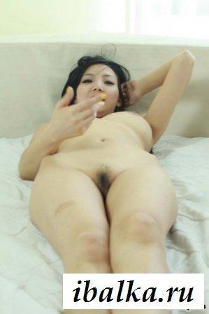 Сексуальная японка сильно заводит