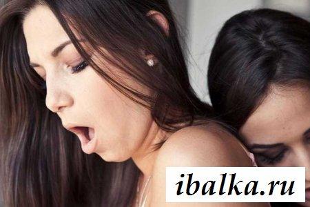 Нежность лесбиянок на фотографиях