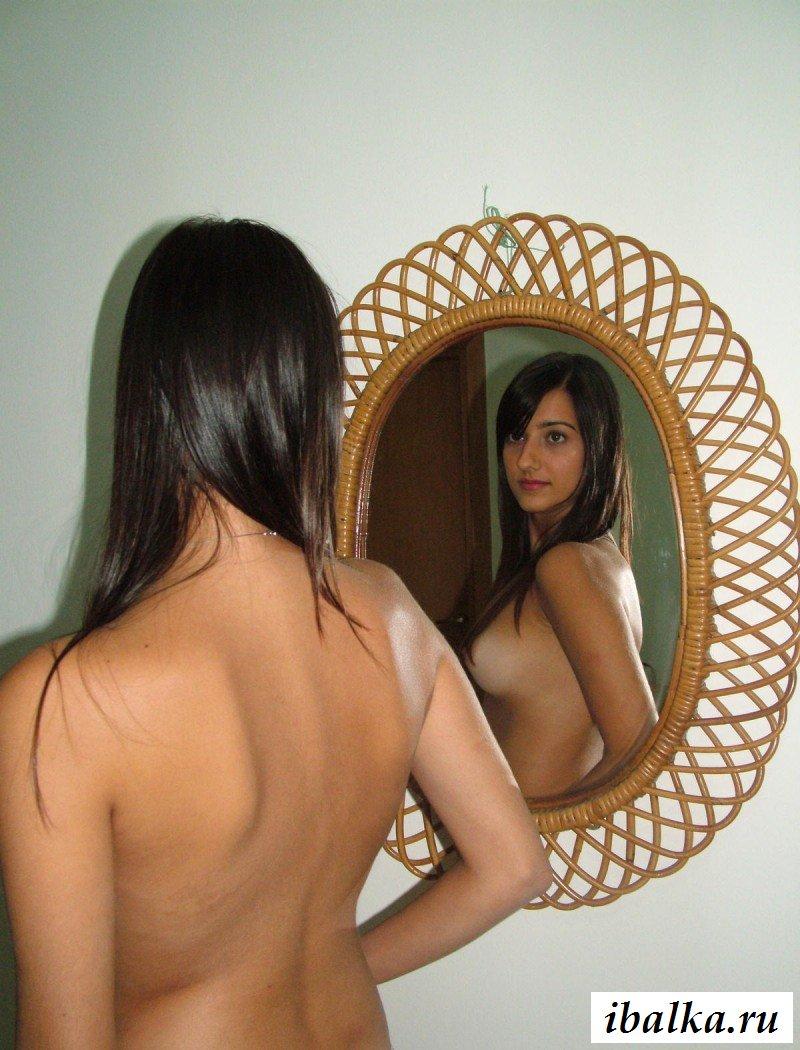 Голые фото кавказской малышки