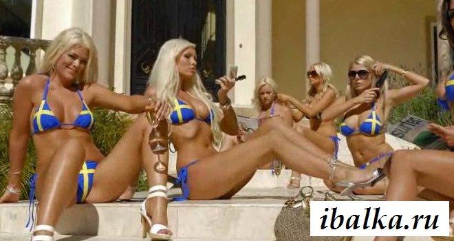 Голая шведка политик с шикарной фигурой (18 фото эротики)